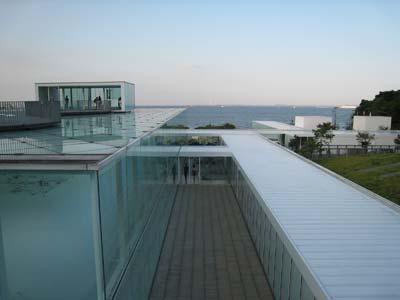 横須賀美術館2.jpg