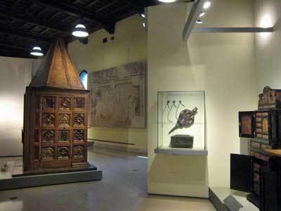 家具と木工彫刻美術館03.jpg