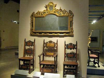 家具と木工彫刻美術館09.jpg