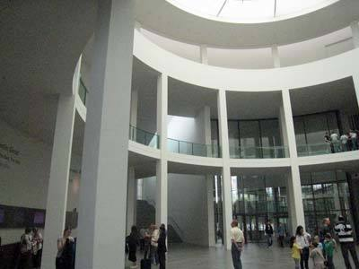 pinakothek-der-moderne03.jpg