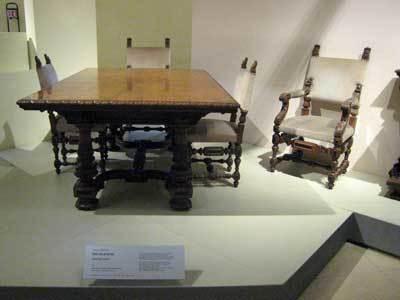 家具と木工彫刻美術館06.jpg