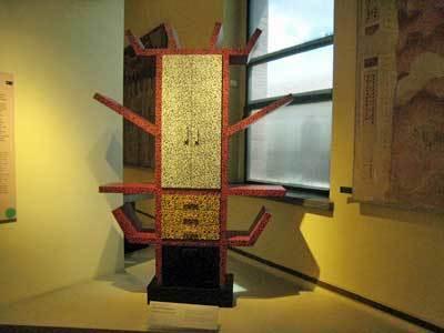 家具と木工彫刻美術館08.jpg