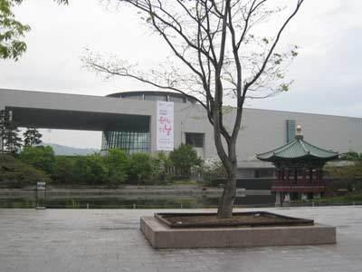 韓国国立中央博物館01.jpg